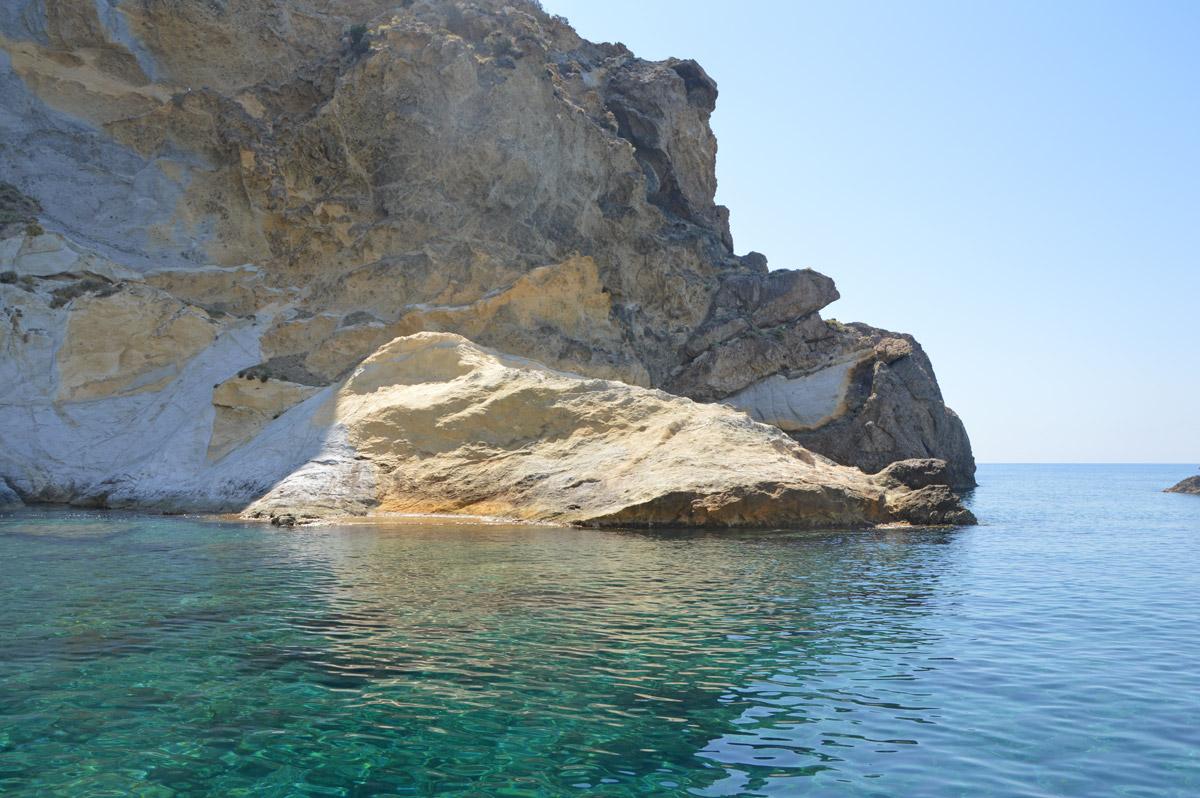 acqua-verde-noleggio-gommone-circeo-ponza-isole-pontine