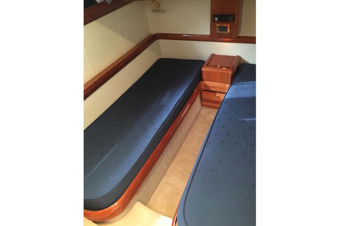 cranchi-50-cabina-doppia-noleggio-gommone-circeo